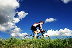 4 exercices pour débuter la saison de vélo en santé!